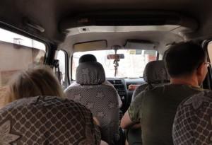 Mit unserem chinesischen Chauffeur unterwegs