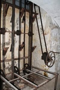 Mechanismus zum Anheben der Granaten