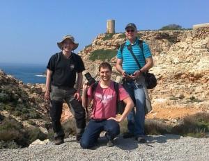 Teil unseres Teams vor dem alten Wachturm