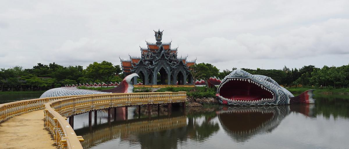 Mit dem Golfcar durch Thailand