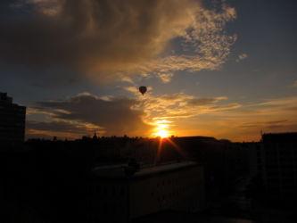 Sonnenuntergang mit Ballon