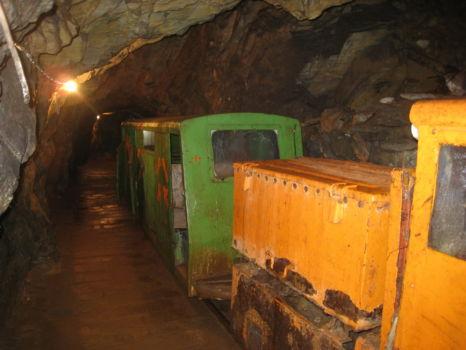 unterirdische Lorenbahn
