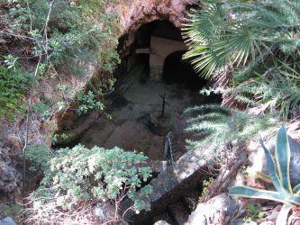 Höhle Grotte oder Kirche