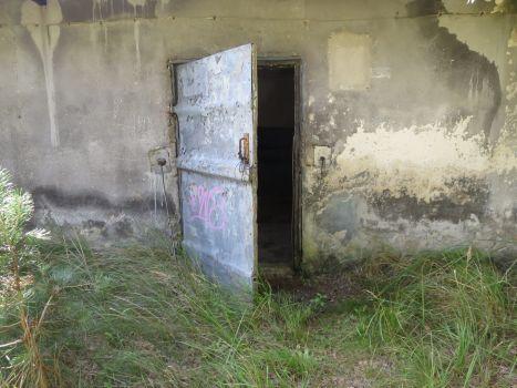 Lost Place Impressionen - Tür ins ...