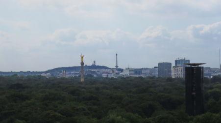 Teufelsberg vom Reichstag fotografiert